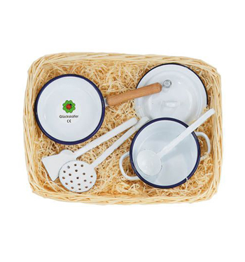 Enamel Cooking set in cane basket 34 x 21cm